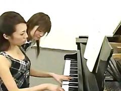 פורנו: יפניות, נשיקות, צרפתיות, יפניות