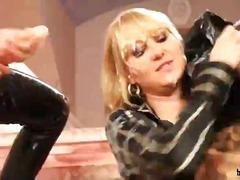 Lucah: Lesbian, Si Rambut Perang, Rambut Blonde, Pemujaan