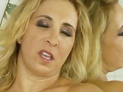 Порно: Бриті, Блондинки, Сексуальні Матусі, Повненькі