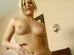 Porno: Karvane, Loomulikud Rinnad, Kontsad, Blondid