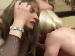Porno: Thithje, Në Grupë, Ajo Me Kar, Latexe