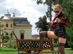 פורנו: לבושות וערום, פנטזיה, פטיש כפות רגליים, סטיות