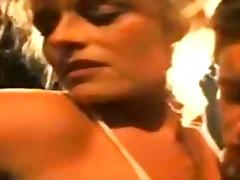Porno: Divanda, Barmaqla, Draçitləmək, Amcıq