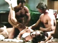 Porno: Sperma Aruncata, Vintage, Brunete, Trio