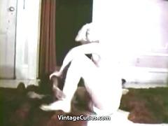 Porno: Klitor, Yumruqla Sikmək, Daxili, Retro