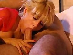 Porno: Morenas, Anal, Italianas, Grupos