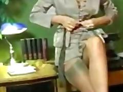 Porno: Në Zyre, Bukuroshet, Masturbime, Rroba Najloni