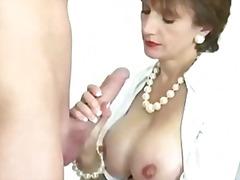 ポルノ: 手コキ, スインガー, フェラチオ, 熟女