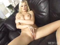 Porno: Bjondinat, Cica Natyrale, Solo, Vagina