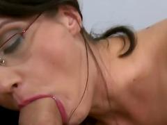 Porno: Thell Në Fyt, Në Gojë, Thell Në Fyt, Lojëra