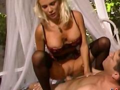 پورن: مو بور, لباس زیر زنانه, مهبل, پستون