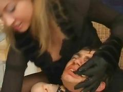 Porno: Çəkməli, Siqaret Çəkən, Qadın Kişini