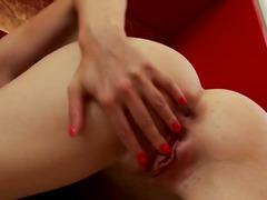 Porno: Maksts, Lieli Pupi, Tīņi, Masturbācija