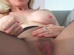 Porno: Naiseriietes Mees, Võrksukad, Karvane, Meditsiin