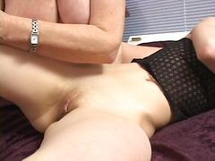 Porno: Kürən, Yaşlı, Pornoulduz, Döşlər