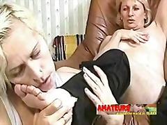 Pornići: Oblačenje Suprotno Polu, Mrežaste Čarape, Babe, Lezbejke