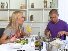 Porno: Sutki, Wielkie Dupy, Piersi, Tyłki