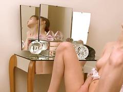 Порно: Пальчиком, Молоденькие, На Кровате, Мастурбация