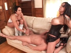 Porno: Me Qizme, Lingerie, Femra Dominon