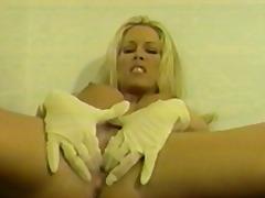 Porno: Bjondinat, Shkon Sperma Skurril, Bythëmadhet, Cicëmadhet
