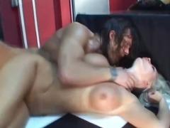 Porno: Ağır Sikişmə, Döşlər, Kobud