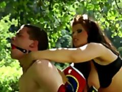 Porno: Bukuroshet Gjigante, Threesome, Femra Dominon