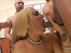 Porno: Lieli Dibeni, Anālā Pavēršana, Lieli Pupi, Liels Loceklis