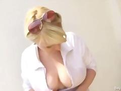 Porno: Bikini, Natūralūs Papai, Viešumoje, Dideli Papai