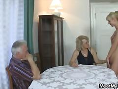 ポルノ: ハードコア, ティーン, おばあちゃん, 3人プレイ