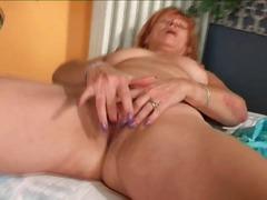 Porn: अंदरुनी कपड़े, उंगली, अधेड़ औरत