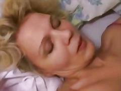 Porn: अधेड़ औरत, उन्नत वक्ष, अधेड़ औरत