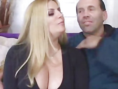 Porno: Puli, Țâțe, Pieptoase, Swinger