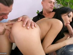 Porno: Threesome, Aziatike