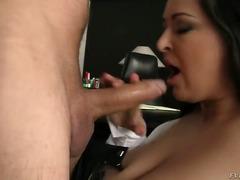 Porno: Bythëmadhet, Cicëmadhet, Bytha, Kari I Madh