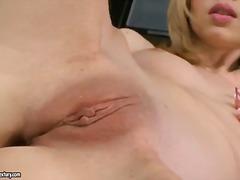 Porno: Masturbatie, Blond