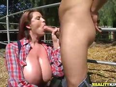 Porno: Rinnakas, Tõeline, Suured Rinnad, Loomulikud Rinnad
