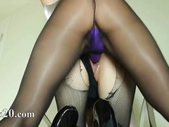 Porno: Masturbime, Me Lojëra, Thithje, Lezbiket