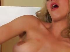 Porno: Masturbasya, Sarışın