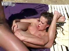 Porno: Buiten, Zaadlozing, Brunette, Dubbele Penetratie