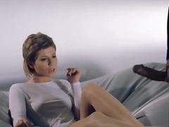 جنس: نساء كاسيات ورجال عراه, خيالى, حب الأرجل, غريب جداً