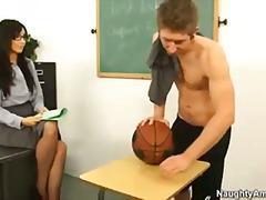 Porno: Hardkorë, Zeshkanet, Mësuesja, Në Shkollë
