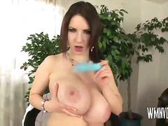 Порно: Со Долги Цицки, Млеко, Мали Цициња, Играчка