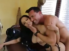 Porno: Gjokset, Në Zyre, Latina, Zeshkanet