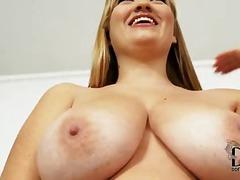 Porn: उन्नत वक्ष, छोटे चूंचे, बड़ा लंड