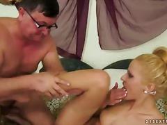 Porno: Putka, Dideli Užpakaliai, Laižymas, Blondinės