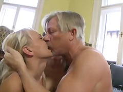 Porno: Kolmekas, Hardcore
