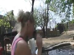 Porno: Avalikus Kohas, Blondid