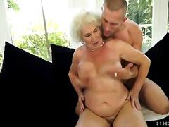 ポルノ: 毛深い, 女性器, 熟女