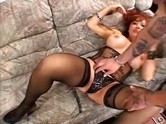Porno: Rødtopp, Naturlige Bryster, Pupper