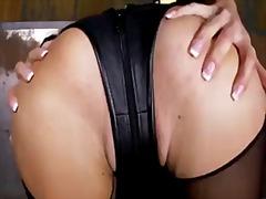 Lucah: Bintang Porno, Tetek Mantap